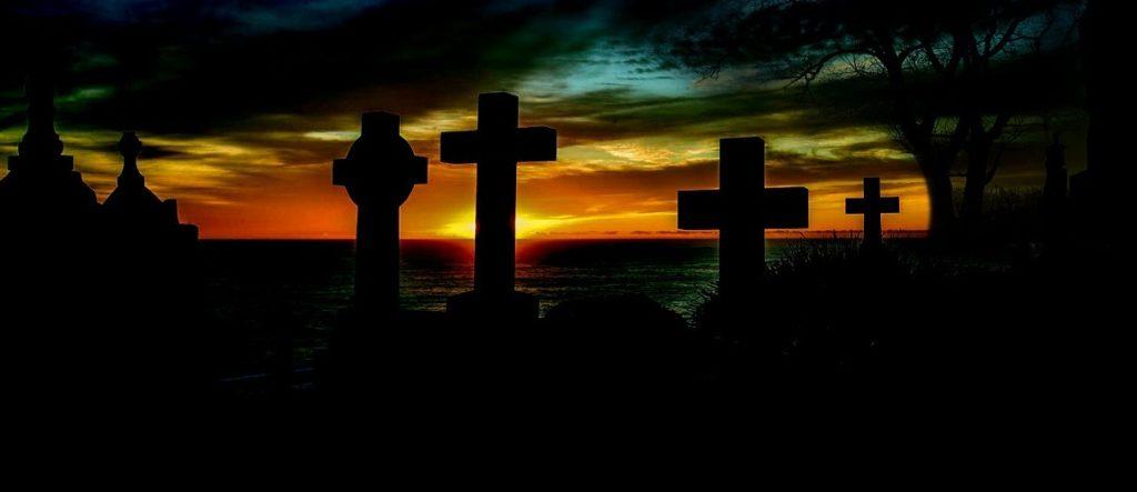 Friedhof, Grabkreuze (Pixabay)